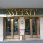 Die eindrückliche alte Eingangstür der IG Metall