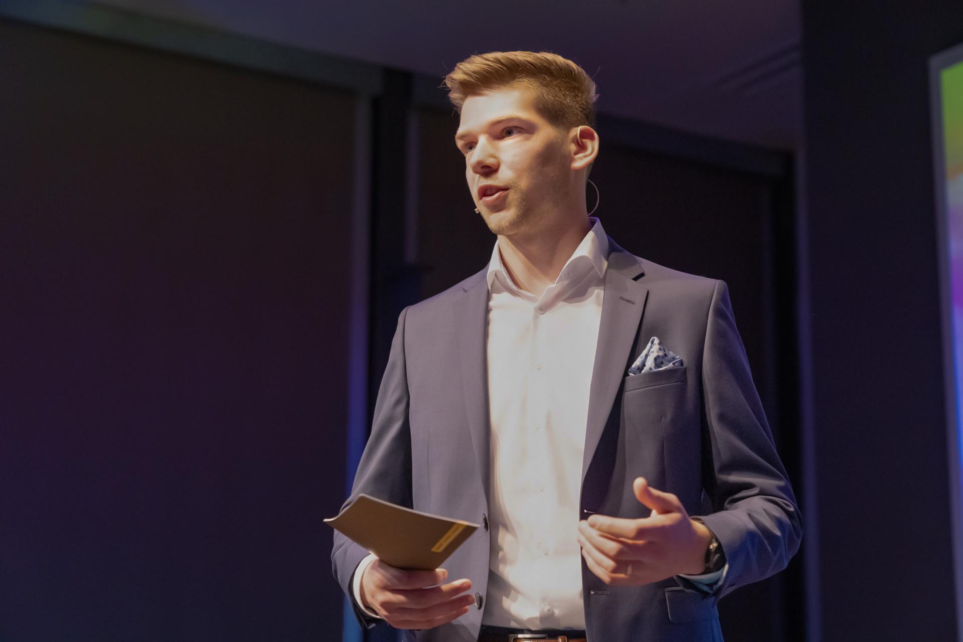 Kommunikationsberater Kristian Hachen zhaw angewandte linguistik