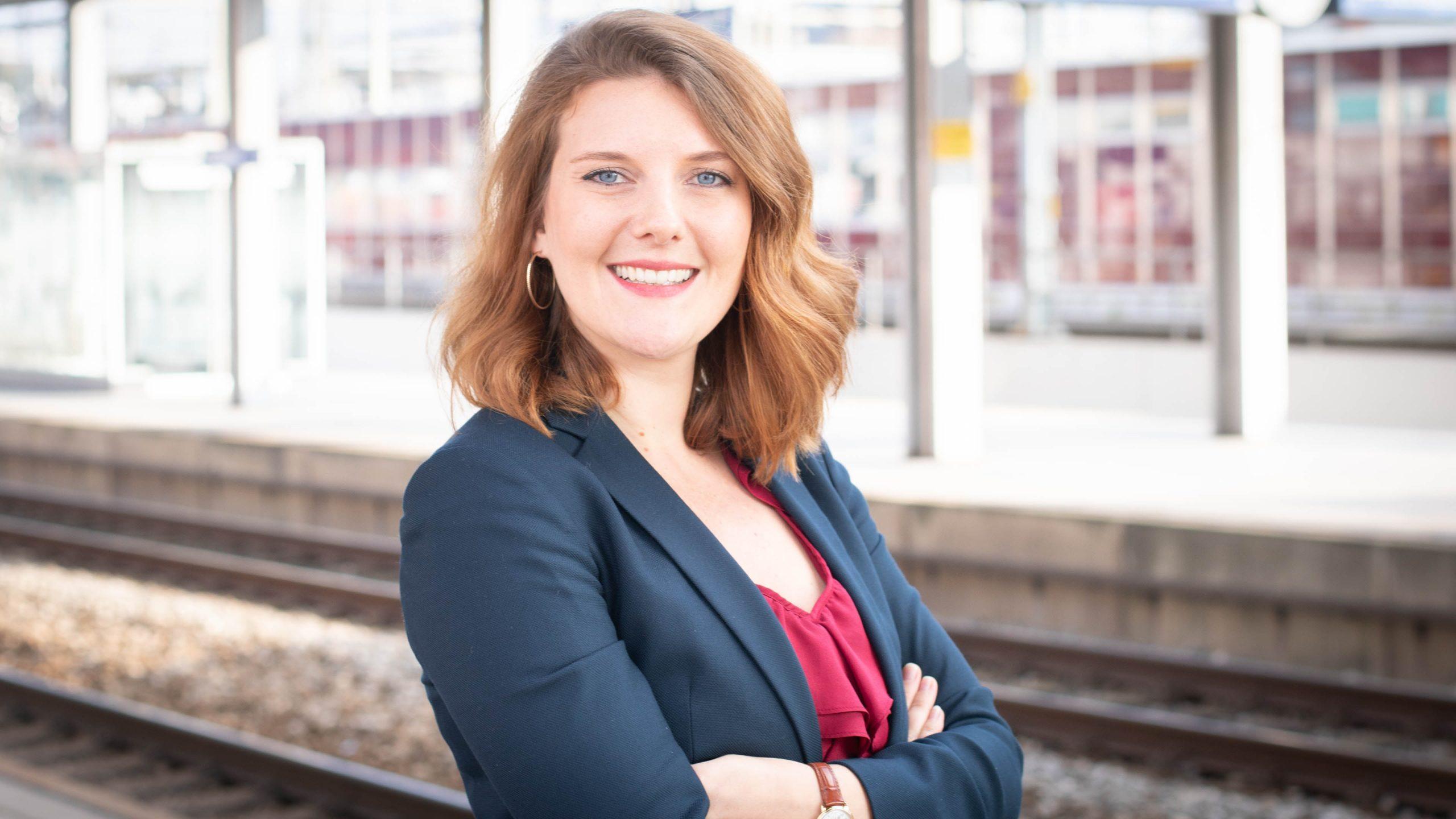 Tamara-Ritter-Newsroom-SBB-Absolventin-Bachelor-Kommunikation-Zhaw
