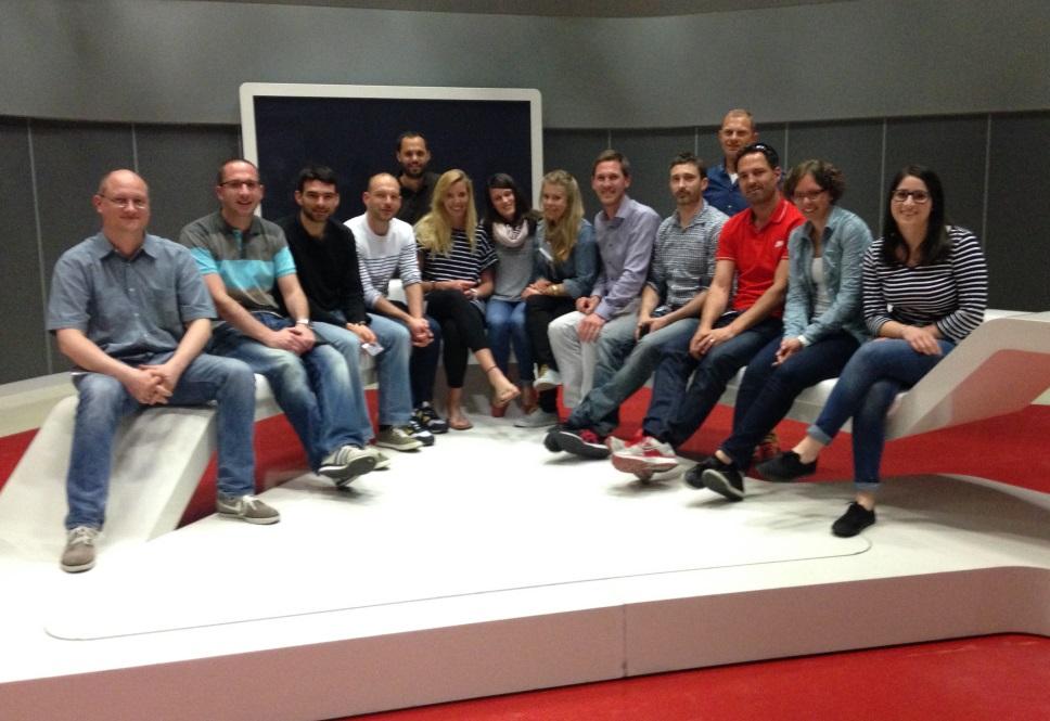 Teilnehmer des CAS Sport Marketing zu Besuch beim SRF