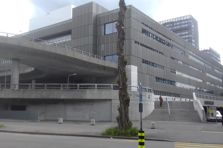 Der Campus Toni-Areal von aussen