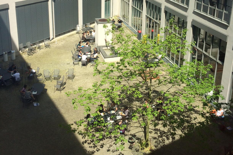 Innenhof der Fachhochschule ASH in Berlin