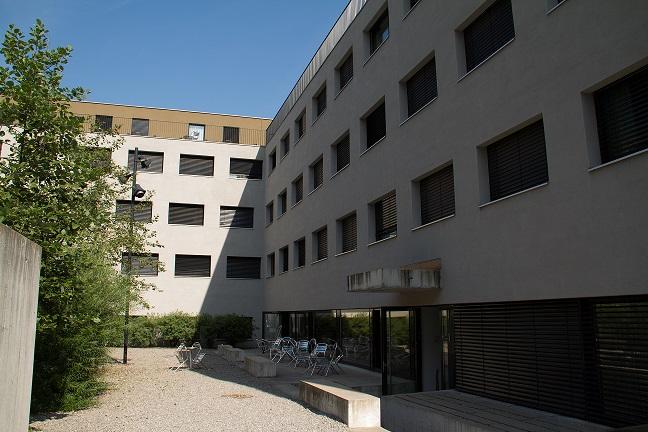 Aussenansicht des Studentenwohnheims an der Meierwiesenstrasse in Zürich.